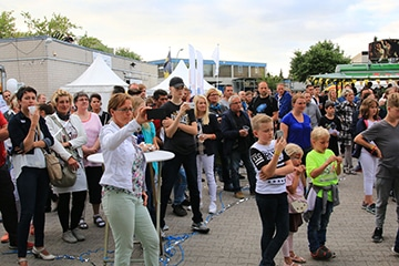 potsdamer feuerwerk hoffest 2017 nico europe applaudierende tanzende menschen