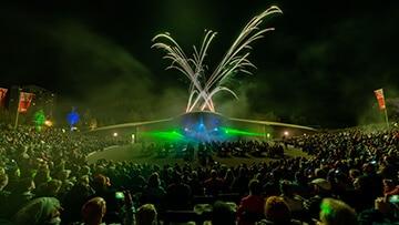 showlights 2018 gaerten der welt lasershow feuerwerk nebel